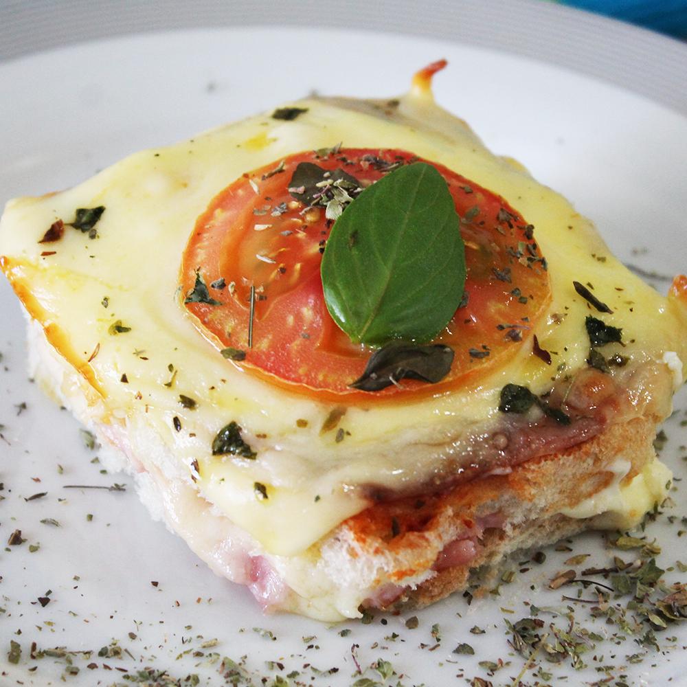 Misto quente de forno com queijo e presunto Cofril